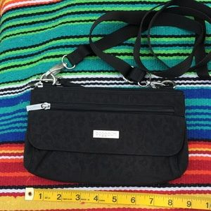 Baglalinni Crossbody Bag